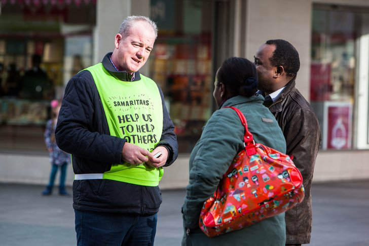 samaritans-volunteer-conversation.jpg