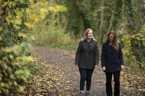 Women-walk-conversation
