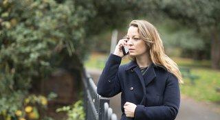 Woman-phone-caller