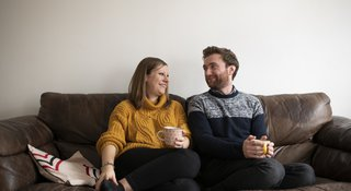 Couple-sofa-smile
