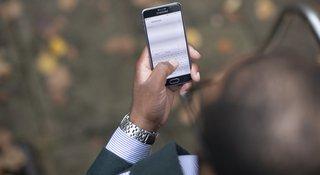 hand-phone.jpg