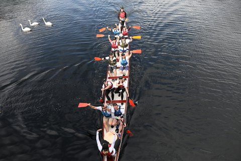 Dragon boat race Samaritans Ireland.jpg